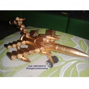 Máy bay làm bằng vỏ đạn 14ly5 (loại nhỏ)