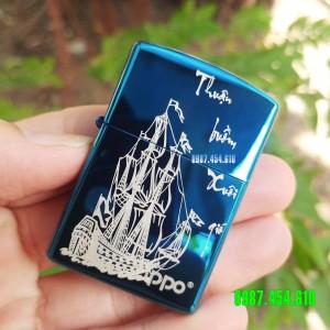 Zippo xanh sapphire khắc Thuận buồm xuôi gió