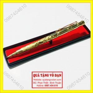 Bút vỏ đạn khắc mai xoay và tên