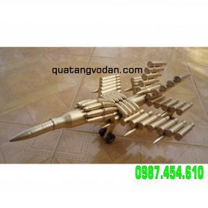 Máy bay  làm bằng vỏ đạn 14 ly 5 dạng SU30