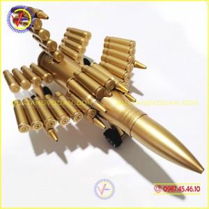 Máy bay làm bằng vỏ đạn 23 ly (loại nhỏ)